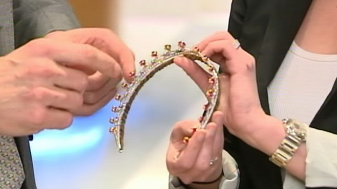 VIDEO: Bianna Golodryga on which tiara is grand enough to top future princess' head.