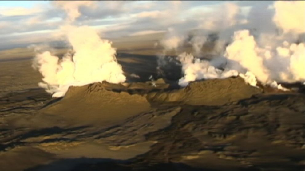 VIDEO: Aerial video shows a volcano in Iceland erupting, Aug. 29, 2014.