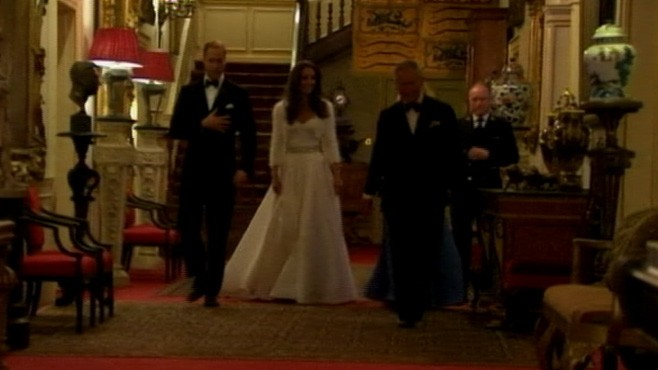 VIDEO: The Duke and Dutchess of Cambridge head to Buckingham Palace.