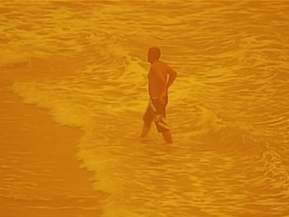 VIDEO: Sydney, Australia is hit by a red dust storm.