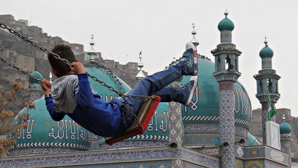 http://a.abcnews.com/images/International/afghan-boy-02-rc-180123_16x9_992.jpg