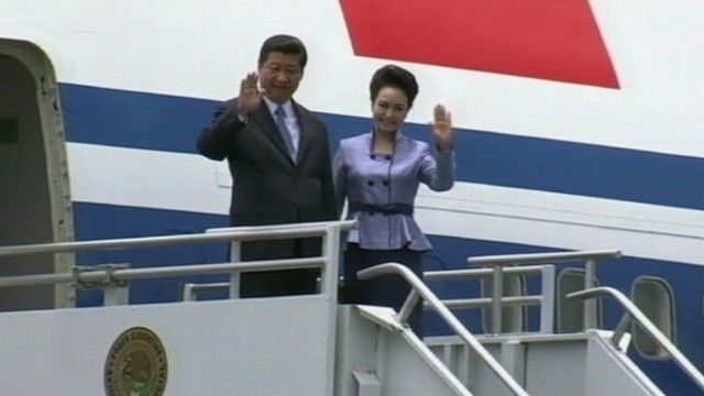 Video: Chinese Presidents Glamorous Wife Gets Noticed