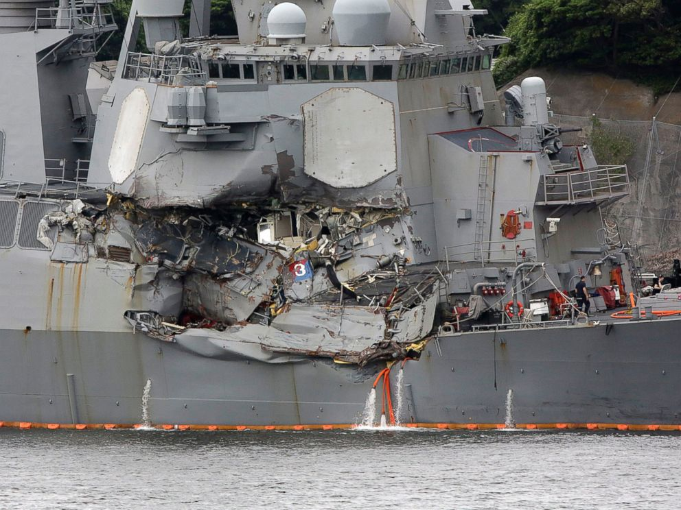 PHOTO: The damaged side of USS Fitzgerald at the U.S. Naval base in Yokosuka, southwest of Tokyo, June 18, 2017.