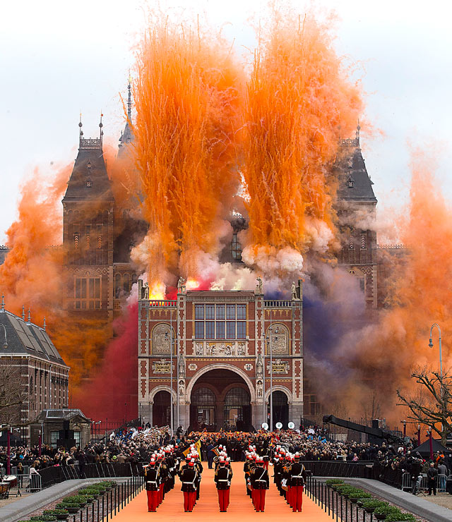 ap 2netherlands dm 130415 vblog Today in Pictures: Baisakhi in India, Coachella, Rijksmuseum