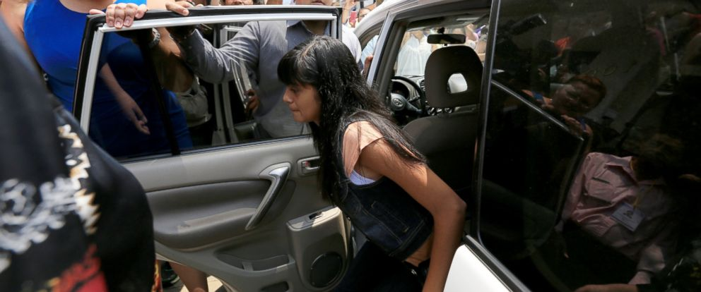 PHOTO: Alondra Diaz Garcia arrives for a court hearing in Los Reyes, Mexico, Tuesday, May 12, 2015.