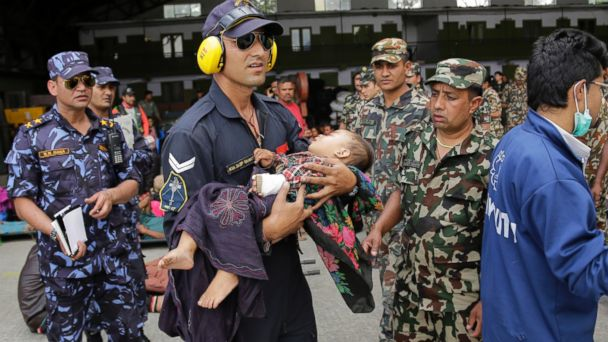 http://a.abcnews.com/images/International/ap_Nepal_Earthquake_Avalanche__wy_2_150427_16x9_608.jpg