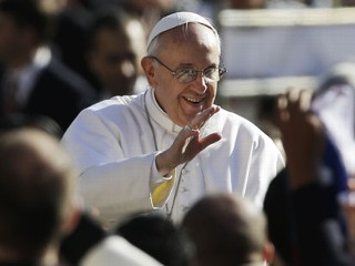 Thousands Pack St. Peter's Square for Inaugural Mass
