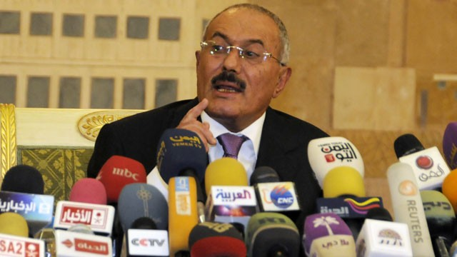 PHOTO: Yemen's President Ali Abdullah Saleh speaks to reporters during a press conference at the Presidential Palace in Sanaa, Yemen on Dec. 24, 2011.