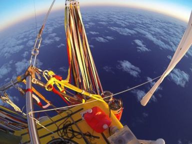 Balloon Pilots Surpass Duration Record