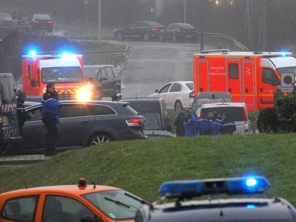 PHOTO: Ambulances arrive in Dammartin-en-Goele, northeast Paris, as part of an operation to seize two heavily armed suspects, Jan. 9, 2015.