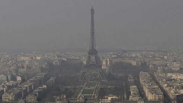 ap france pollution kb 140314 16x9 608 Smog Obscures Paris Skyline
