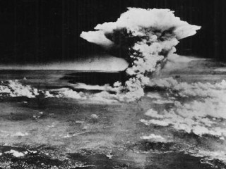 Photos: Remembering the Atomic Bomb at Hiroshima