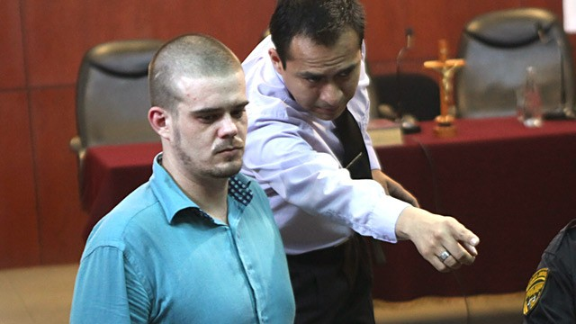 PHOTO: Joran van der Sloot enters courtroom