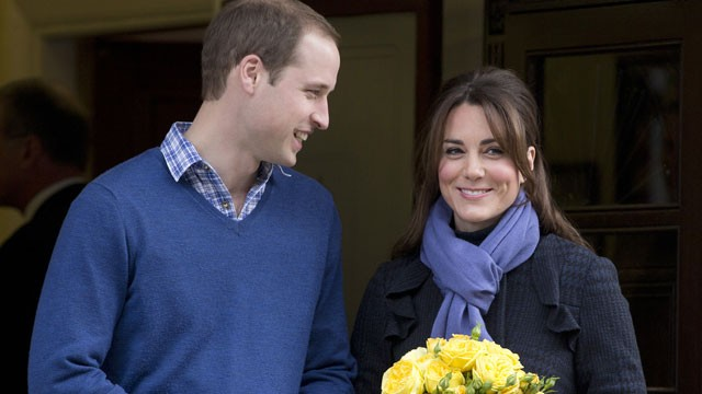 PHOTO: Britain's Prince William stand next to his wife Kate, Duchess of Cambridge as she leaves the King Edward VII hospital in central London, Thursday, Dec. 6, 2012.