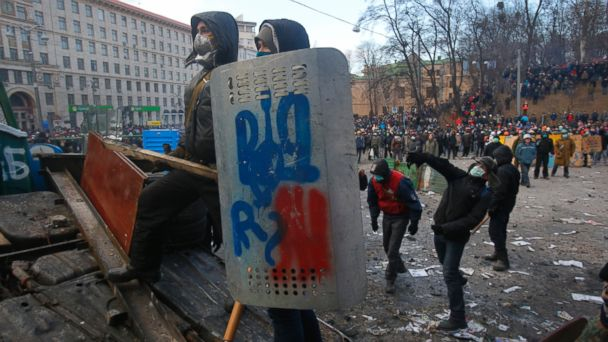 ap kiev protests kb 140120 16x9 608 Protesters Erecting Catapult to Launch Rocks Harder, Farther at Police in Ukraine