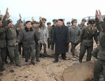 PHOTO: Kim Jong Un and North Korean soldiers