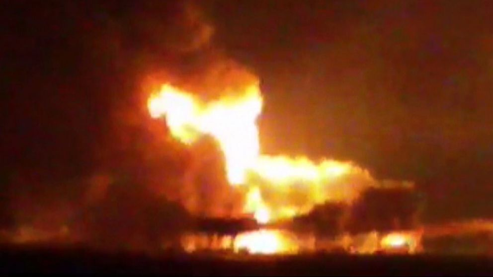 PHOTO: This frame grab of a video from the news station Noticias Ciudad del Carmen shows a fire burning at an oil platform in the Gulf of Mexico along the Mexican coast before sunrise on April 1, 2015.