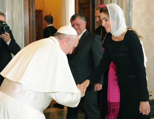 Pope Francis Greets Queen Rania of Jordan