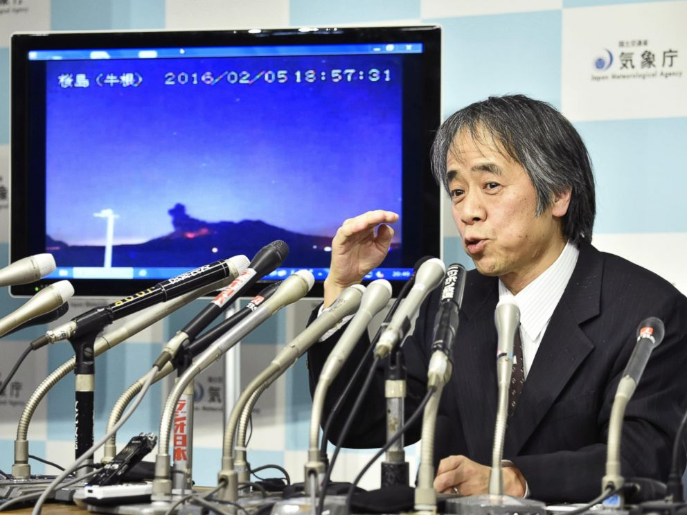PHOTO: Japan Meteorological Agency volcanology division director Sadayuki Kitagawa speaks about the eruption of Sakurajima during a news conference at the agency headquarters in Tokyo, Feb. 5, 2016.