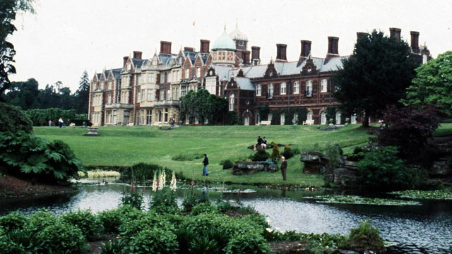 PHOTO: British police are treating the discovery of a body on the queen's Sandringham estate as murder.