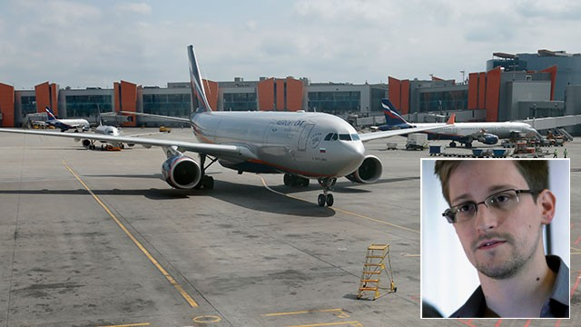 PHOTO: The Aeroflot Airbus A330 plane that is to carry National Security Agency leaker Edward Snowden on a flight to Havana, Cuba, arrives at the gate at Sheremetyevo airport, Moscow, June 24, 2013.