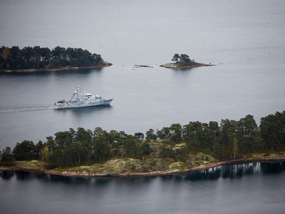 PHOTO: Swedish Navy minesweeper HMS Koster patrols in the Stockholm Archipelago, Sweden, Sunday Oct. 19 2014.