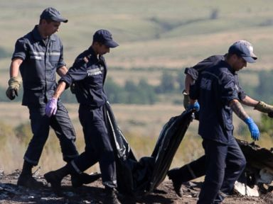 President Obama Calls on Russian Separatists to Stop Hampering Crash Site