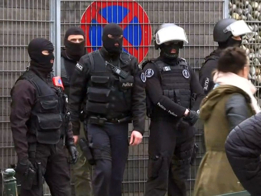 PHOTO: A large police operation is underway in Molenbeek, Brussels, in a neighborhood where many of those involved with the Paris attacks in November came from.