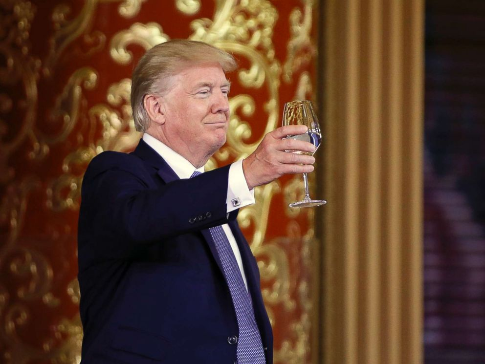 PHOTO: President Donald Trump toasts at a state dinner at the Great Hall of the People in Beijing, Nov. 9, 2017.