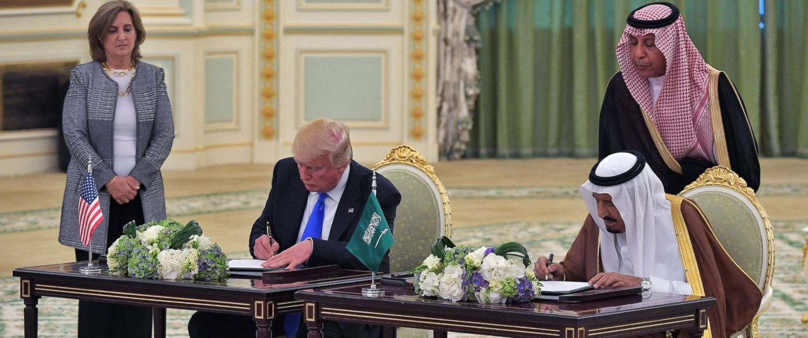 PHOTO: President Donald Trump and Saudi Arabias King Salman bin Abdulaziz al-Saud take part in a signing ceremony at the Saudi Royal Court in Riyadh, May 20, 2017.