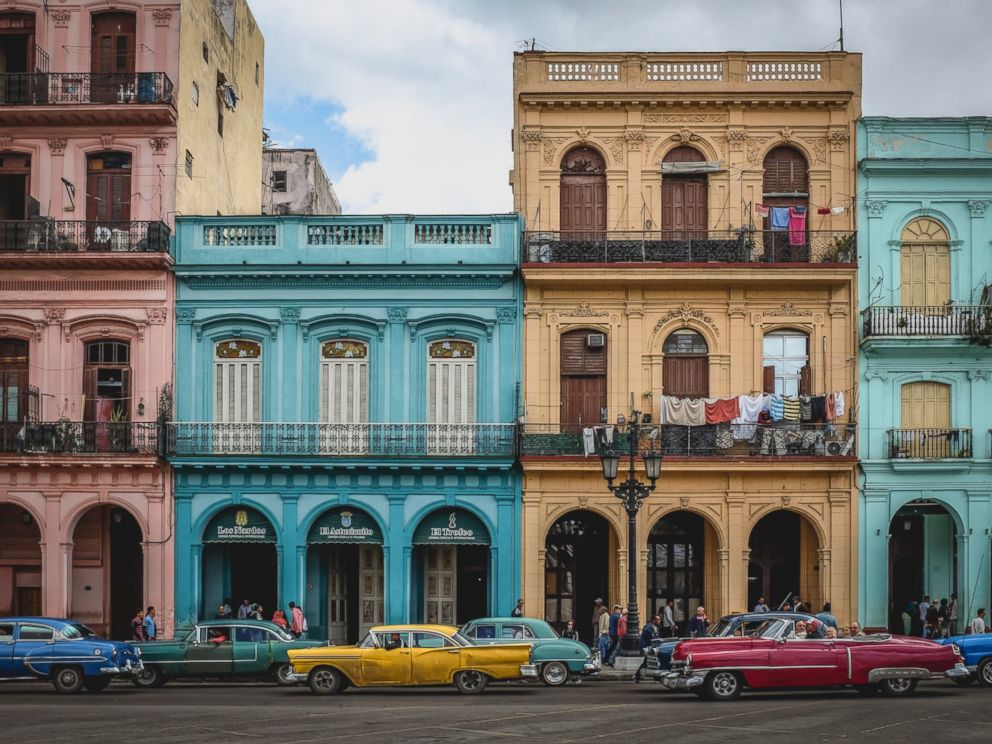PHOTO: Colonial buildings appear in this undated photo of old Havana, with many colorful old american cars driving along the road.