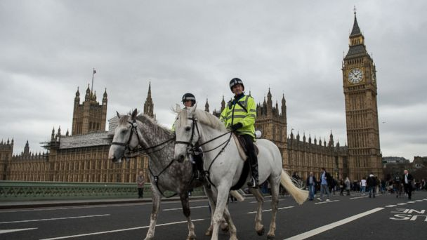 PHOTO: Mounted police officers patrol Westminster Bridge near the Houses of Parliament in  London, March 29, 2017, before a vigil to commemorate the terror attack that killed four last week.