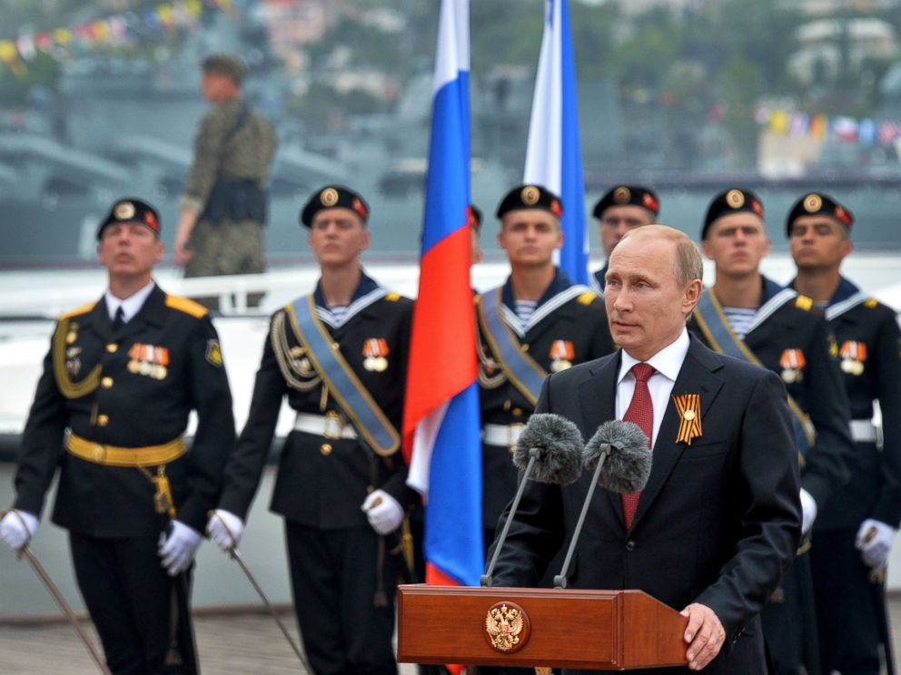 PHOTO: Russian President Vladimir Putin speaks during his visit to the Crimean port of Sevastopol, May 9, 2014.