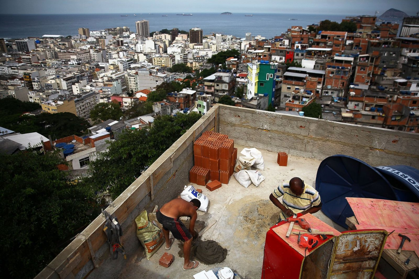 life in the favelas of rio de janeiro photos abc news