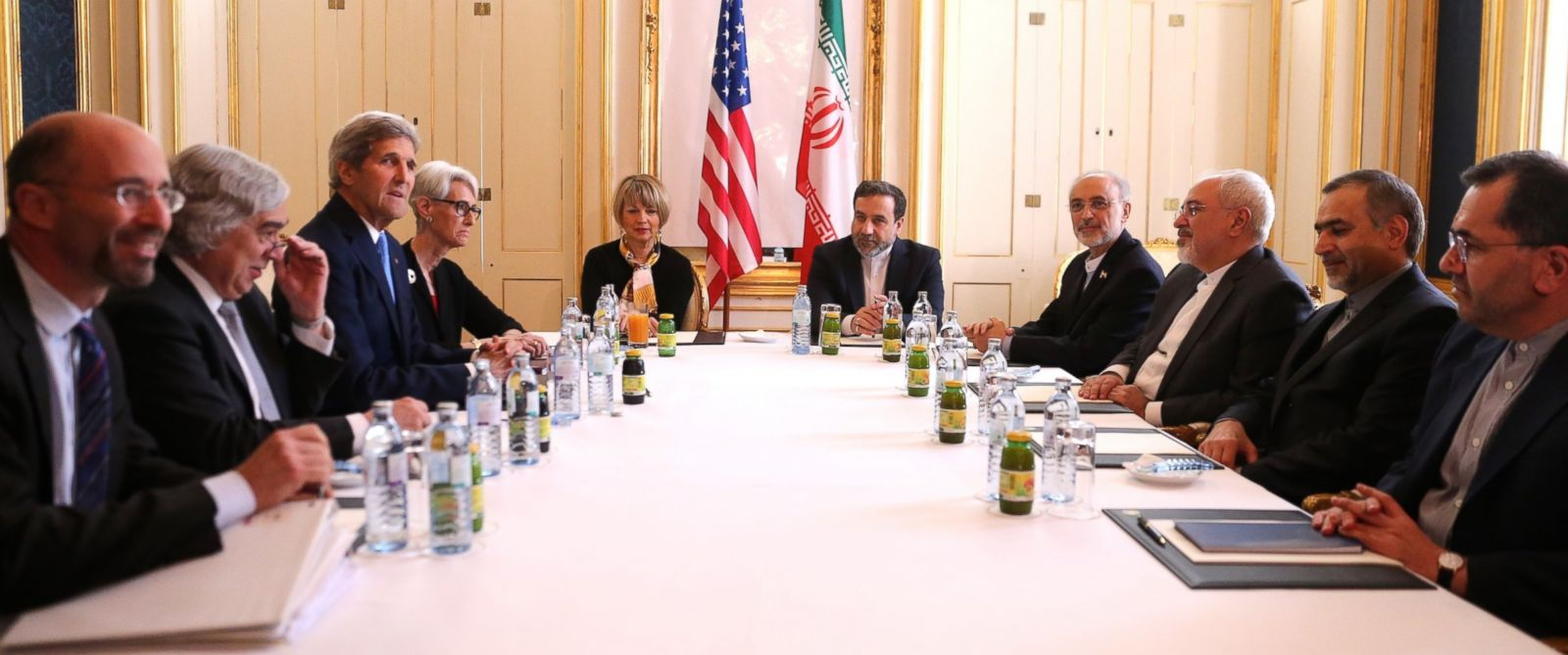 PHOTO: Secretary of State John Kerry and Iranian Foreign Minister Mohammad Javad Zarif attend the Iran nuclear talks at a hotel in Vienna, Austria on June 30, 2015.