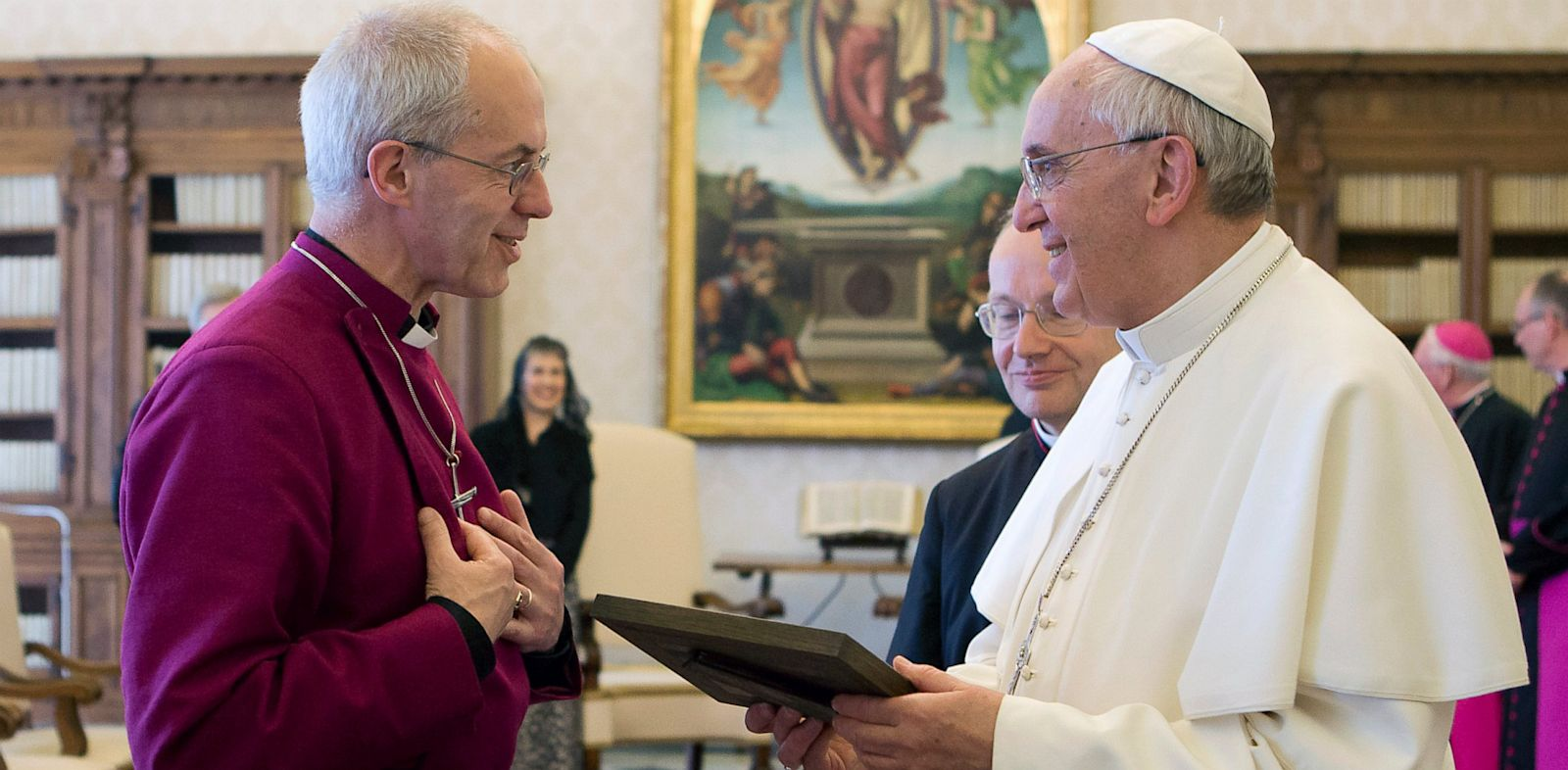 PHOTO: Justin Welby and Pope Francis