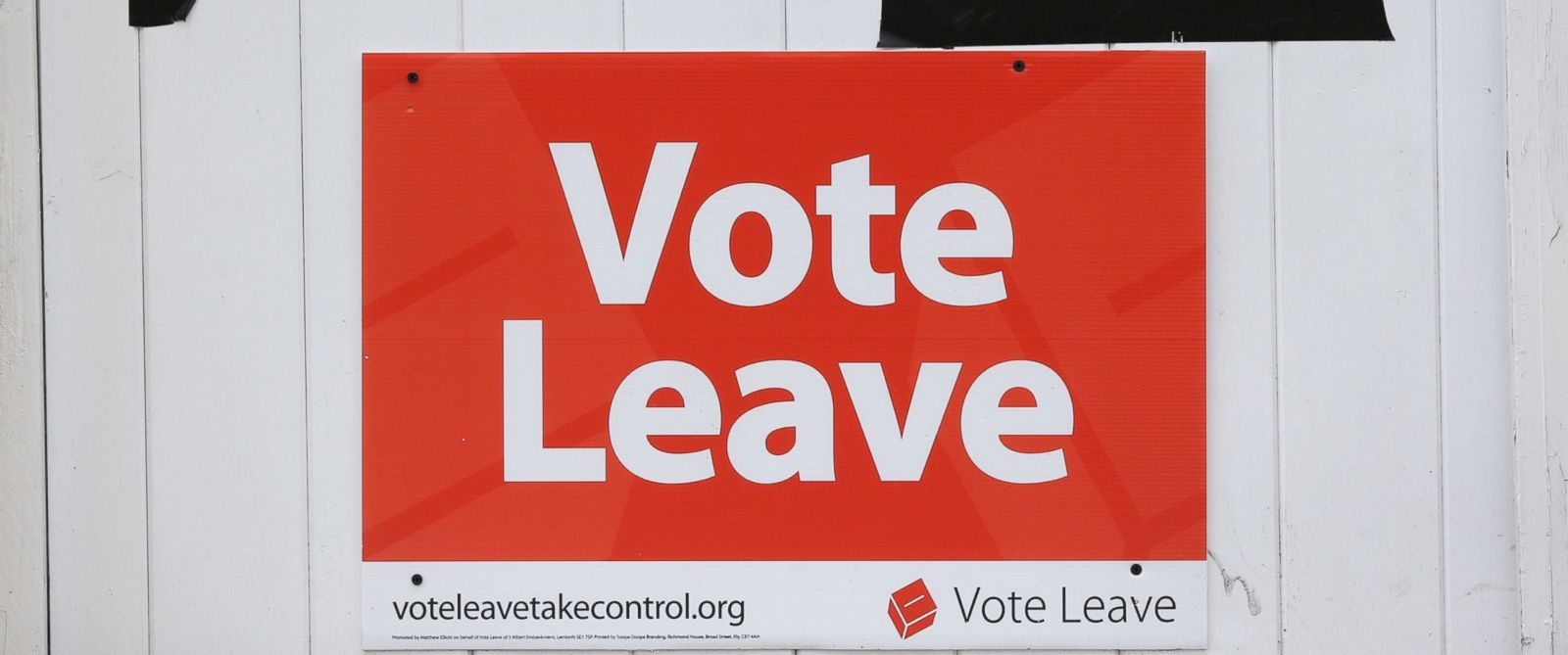 """PHOTO: """"Vote Leave"""" posters are displayed on the gate of a house in Redcar, England, June 27, 2016. Britains historic decision to leave the 28-nation bloc has sent shockwaves through the political and economic fabric of the nation."""