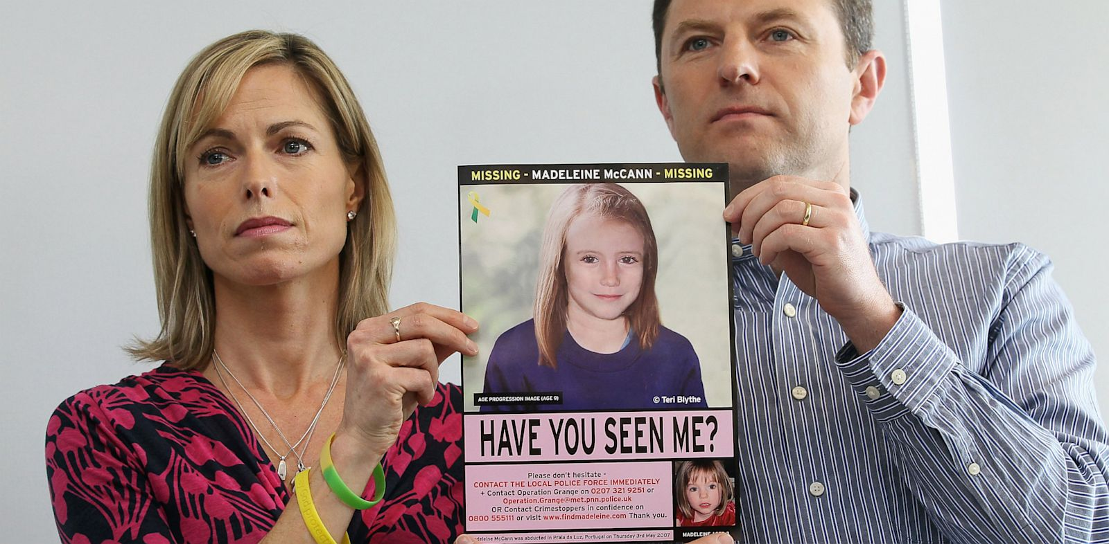 PHOTO: Kate and Gerry McCann hold age-progressed image of daughter Madeleine