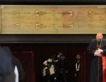 PHOTO: Pope Benedict XVI blesses in front of the Shroud in theTurin cathedral on May 2, 2010.