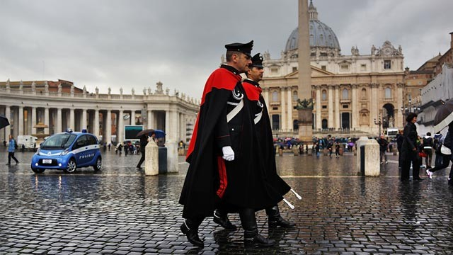 PHOTO: Guards in St. Peter's Square