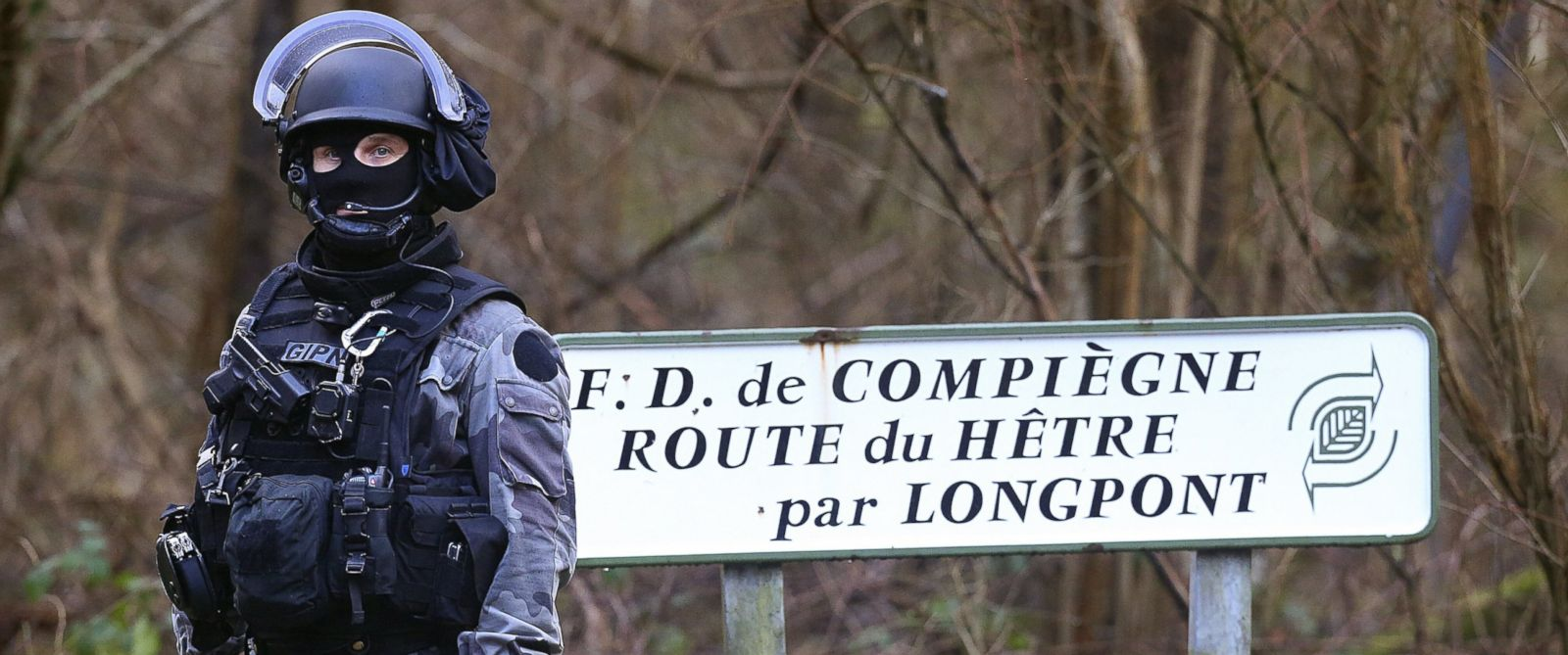 PHOTO: French National Police near Villers-Cotterets, north-east of Paris, where the two armed suspects in the attack on French satirical weekly newspaper Charlie Hebdo were allegedly spotted, Jan. 8, 2015.