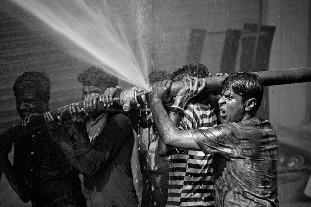 ht abir bangladesh garment traps fire fighter hose thg 130501 wblog The Deadly Cost of Cheap Clothing: Dangers in Bangladesh