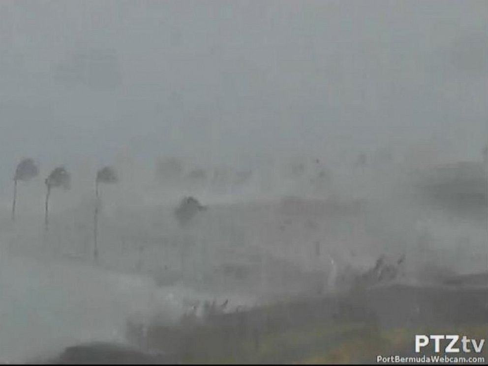 PHOTO: Hurricane Gonzalo makes landfall in Bermuda, Oct. 17, 2014