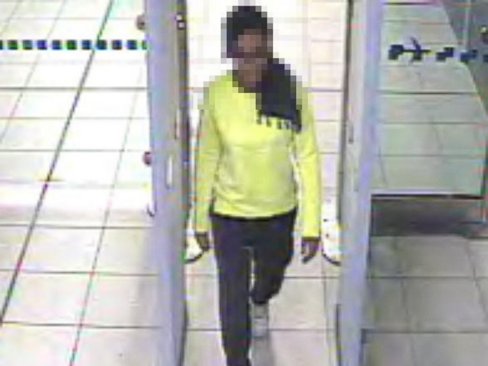 PHOTO: Scotland Yard released this image of Amira Abase, 15, in Gatwick airport Feb. 17, purportedly on her way to the Middle East.