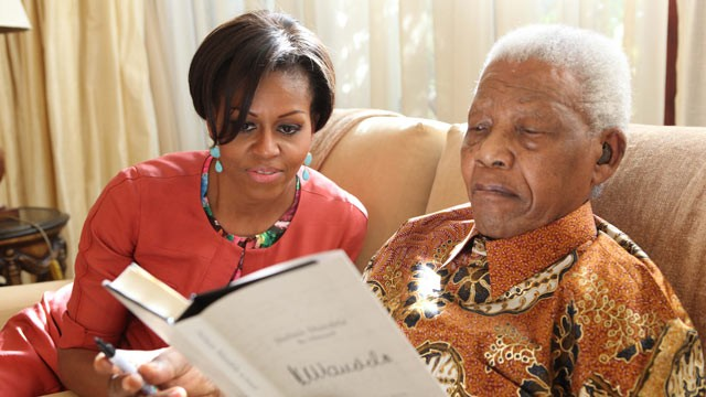 PHOTO: US First Lady Michelle Obama visits former president  Nelson Mandela  at his home in Houghton.