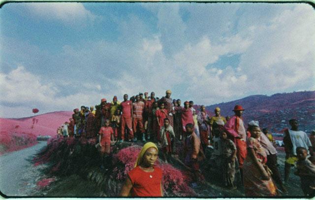 ht richard mosse crowd lpl 130605 IMAGES: Richard Mosse Rethinks War Photography