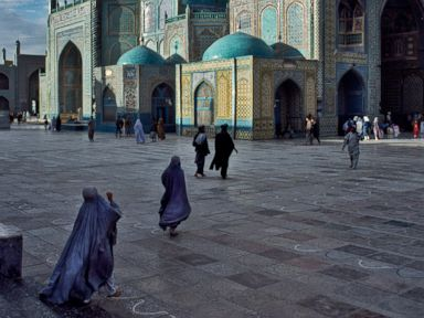 Photos: Go Inside Afghanistan With Steve McCurry