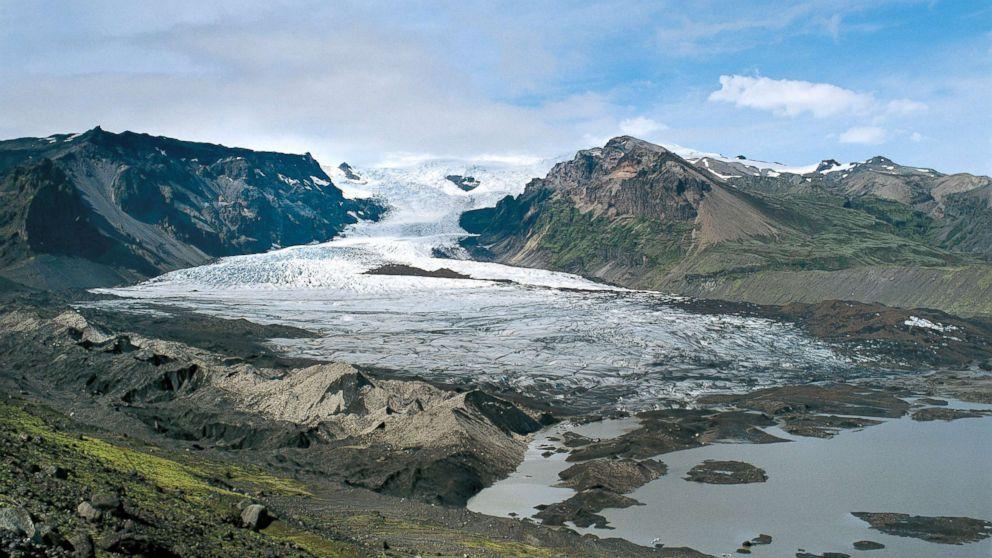 http://a.abcnews.com/images/International/iceland-glacial-volcano-file-gty-jef-171120_16x9_992.jpg