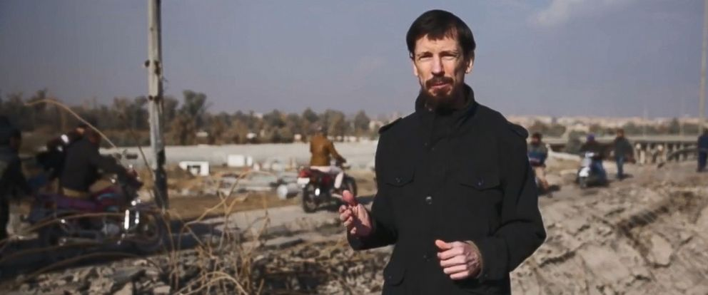 PHOTO: British hostage John Cantlie seen in a hastily-produced video published by the ISIS terror group on Dec. 7, 2016.
