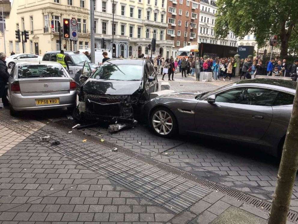 PHOTO: Police are investigating a car collision that occurred near the Natural History Museum in London, Oct. 7, 2017.